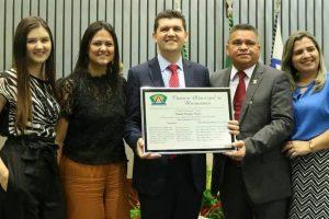 Ronaldo Martins recebe Título de Cidadão Honorário de Maracanaú (CE)