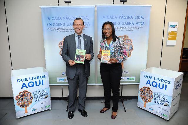 Câmara, PRB e Fundação arrecadam livros para alunos carentes