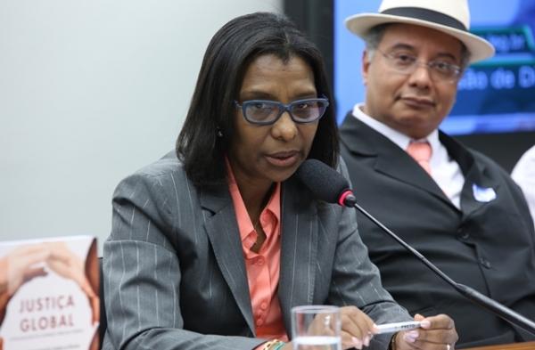 rosangela-gomes-prb-debate-sobre-escravidao-negra-no-brasil-foto-gilmar-felix-agencia-camara-01-10-15-01