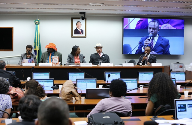 rosangela-gomes-prb-debate-sobre-escravidao-negra-no-brasil-foto-gilmar-felix-agencia-camara-01-10-15-02