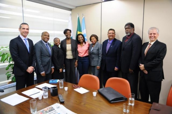 Rosangela Gomes recebe corpo diplomático dos países caribenhos