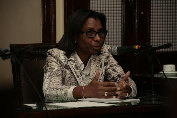 Deputada Rosangela Gomes atua na Comissão de Saúde