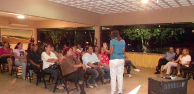 rosangela-gomes-presidente-do-prb-mulher-visita-o-amapa-em-busca-de-qualidade-de-vida-para-as-mulheres -03-05-2012-02