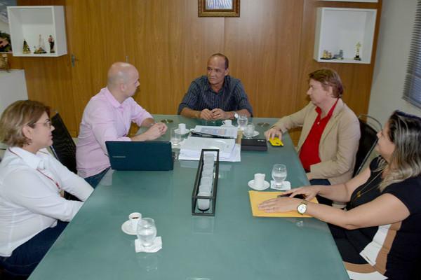 rosano-taveira-prb-parceria-com-faculdade-foto-ascom-05-04-17
