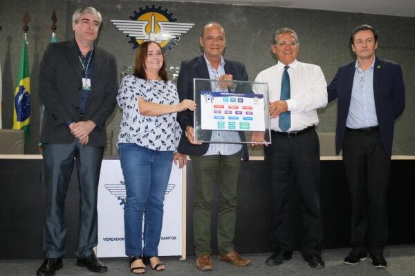 Parnamirim: prefeito Rosano Taveira recebe Mapa Estratégico