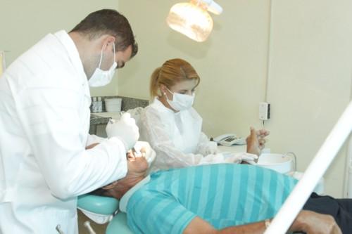 ruy-muniz-prb-implanta-servico-odontologico-foto-ascom-27-08-13