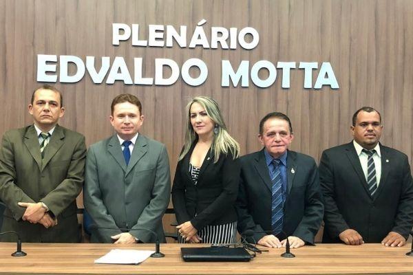Sales Júnior é reconduzido à presidência da Câmara de Patos