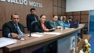 Câmara de Patos aprova projeto que cria o cargo de intérprete e professor de Libras