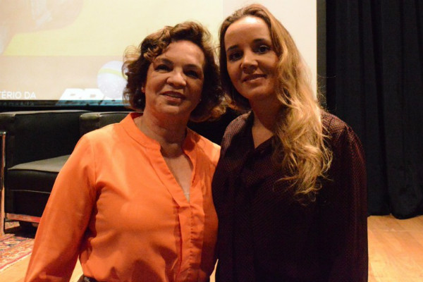 Salete Aragão (PRB Mulher) com a secretária de Políticas para as Mulheres, Fátima Pelaes