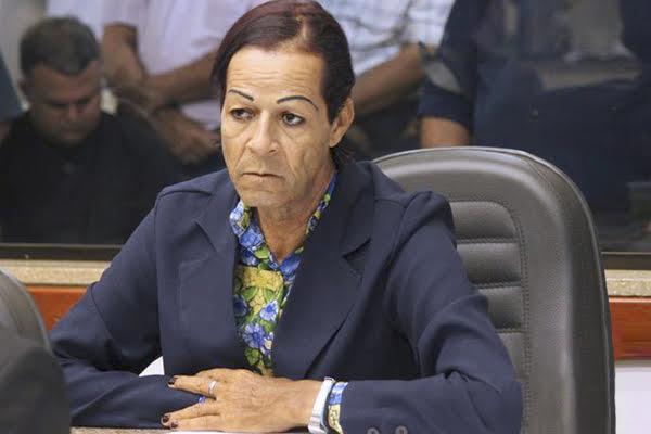 Vereadora Sarita destaca compromissos do mandato durante sessão em Paranaíba (MS)