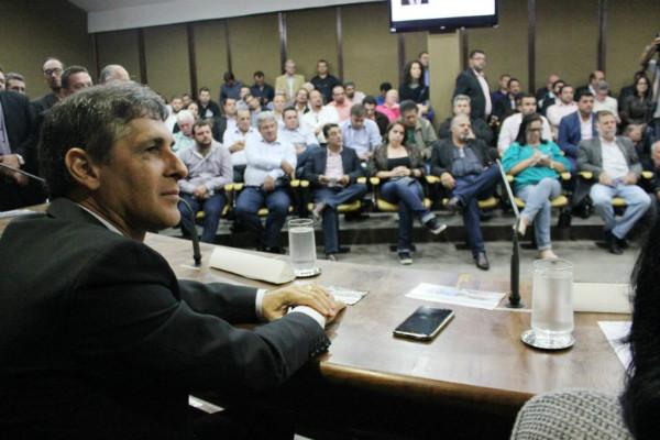 sebastiao-santos-prb-debate-regulamentacao-dos-municipios-de-interesse-turistico-foto-ascom-24-05-17