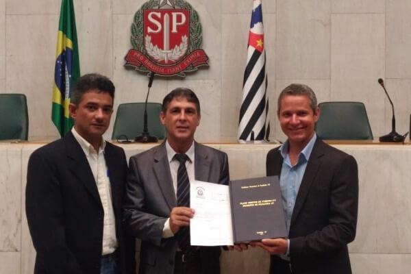 """Sebastião Santos quer tornar Paulicéia (SP) """"Município de Interesse Turístico"""""""