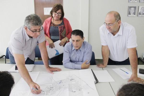 Deputado debate melhorias do sistema de abastecimento de água de Barretos (SP)