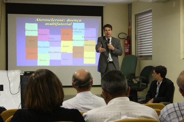secretaria-do-idoso-df-prb- promove-palestra-contra-o cancer-de-prostata-30-05-12-02