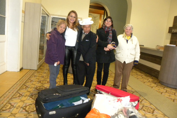 Vereadora Séfora Mota leva presentes para idosos em Asilo de Porto Alegre