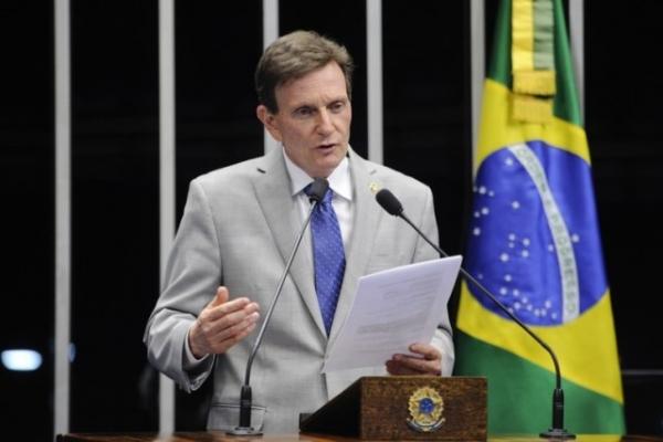 Crivella defende mudanças no projeto de terceirização