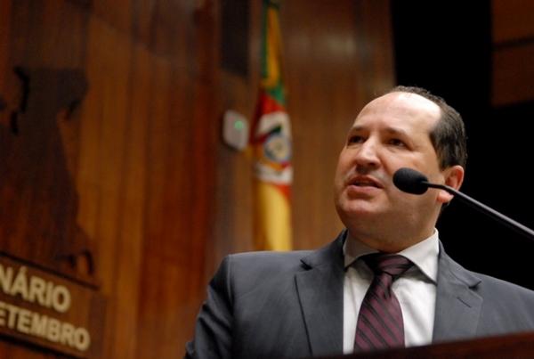 Sergio Peres defende cumprimento da legislação em benefício das pessoas com deficiência