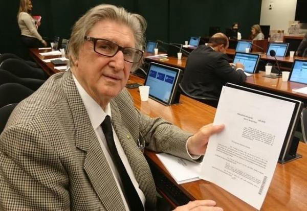 Projeto de Sérgio Reis obriga empresas de transportes a contratar funcionários treinados para auxiliar idosos