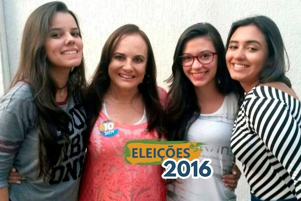 Jovens acompanham dia de campanha de Serys em Cuiabá