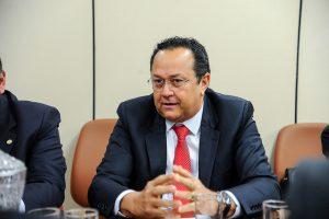 Ministro vai avaliar atos que criaram reservas ambientais no Amazonas, afirma Silas Câmara
