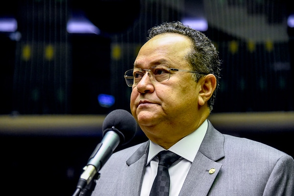 Projeto susta exigências burocráticas para os repasses financeiros aos municípios