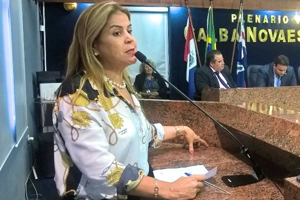 Silvania Barbosa avalia como positivo o ano legislativo de 2017 em Maceió (AL)