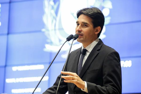 """Silvio Costa Filho apresenta relatório do """"Pernambuco de Verdade"""""""