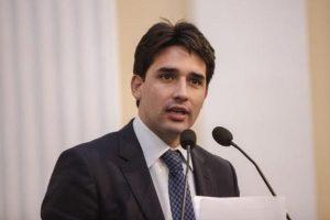 Silvio Costa Filho propõe mobilização para evitar suspensão de voos da American Airlines
