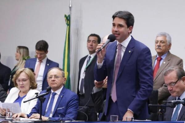 Silvio Costa Filho defende plano de apoio emergencial aos municípios