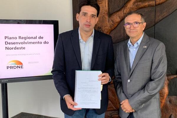Silvio visita Douglas Cintra para discutir plano de desenvolvimento do NE