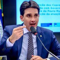 Silvio Costa Filho defende adiamento do Enem