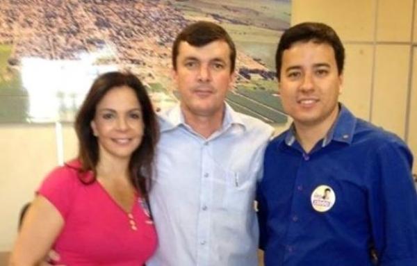 Sula Miranda recebe apoio do prefeito de Teodoro Sampaio