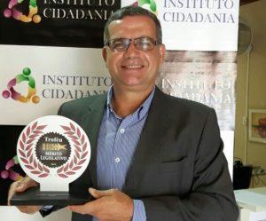 Tadeu Tô Contigo é reconhecido como vereador mais atuante de Campos