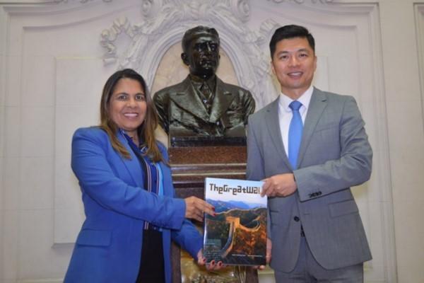 Tânia Bastos se reúne com representante da China na Câmara do Rio