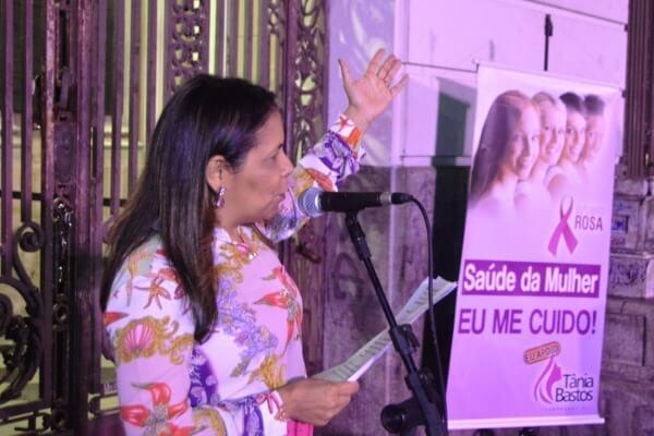 Tânia Bastos celebra abertura do Outubro Rosa no RJ