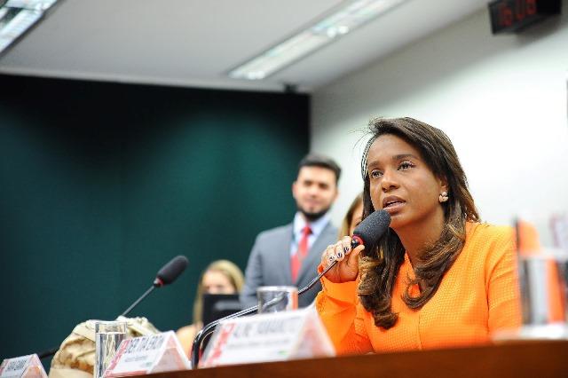 tia-eron-prb-promove-debate-sobre-privacidade-da-mulher-na-internet-foto-douglas-gomes-28-08-15-01