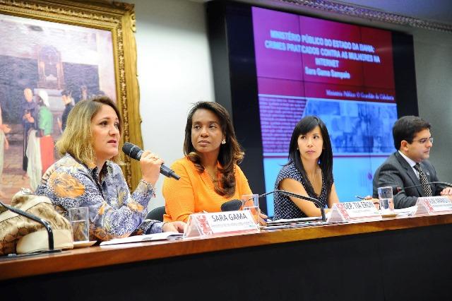 tia-eron-prb-promove-debate-sobre-privacidade-da-mulher-na-internet-foto-douglas-gomes-28-08-15-02