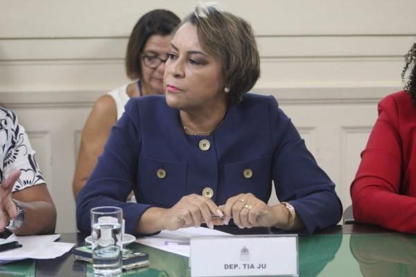 Autonomia do Theatro Municipal do RJ é defendida por Tia Ju