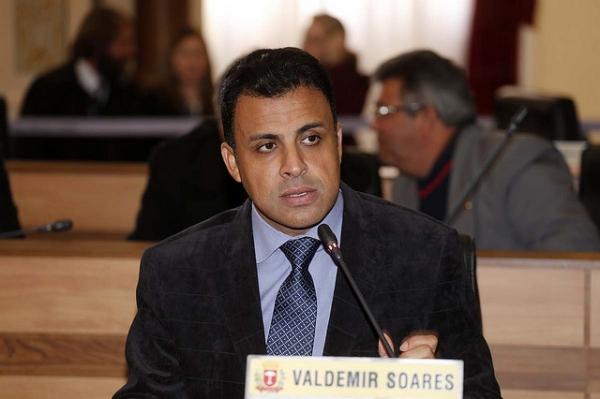 """""""Copa do Mundo não é do povo por má gestão"""", reclama Valdemir Soares"""