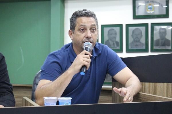 Vaninho quer plano de gerenciamento de resíduos sólidos em Itatiaia (RJ)