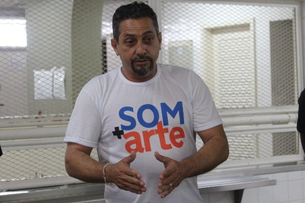 Vaninho incentiva realização de feira lítero-cultural em Itatiaia