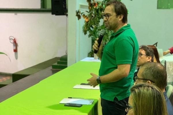 Vavá Martins debate ações sustentáveis na Universidade Rural da Amazônia