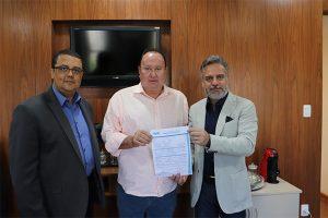 Vavá Sena se filia ao PRB Minas Gerais