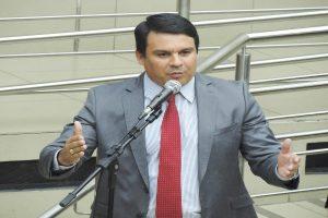 Projeto de Jorge Santos cria a Semana de Orientação para o Primeiro Emprego em BH