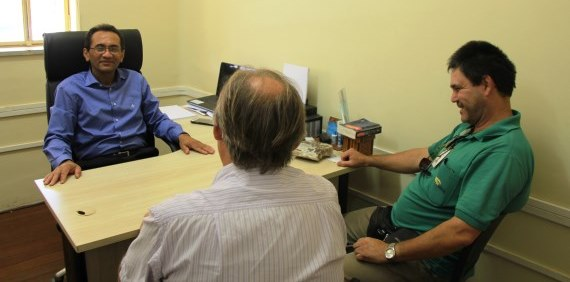 Raimundo Bezerra articula soluções para o descarte de gesso em Araraquara