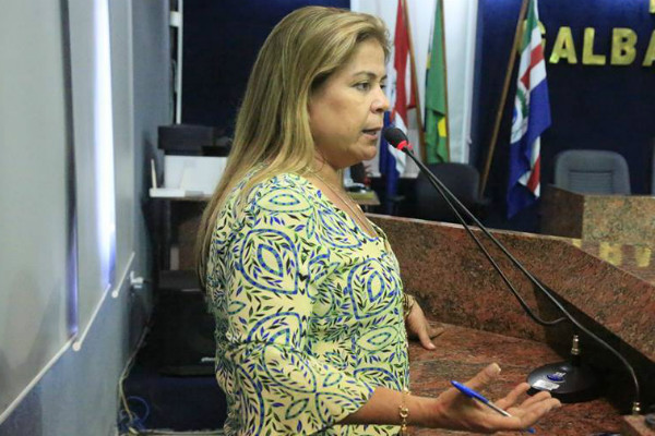 Aprovado requerimento de Silvania Barbosa que garante acessibilidade em Maceió