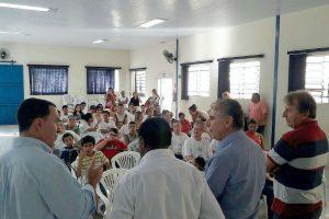 O deputado federal Vinicius Carvalho foi recebido pelo presidente e vice da entidade e trataram sobre a liberação de recursos federais para a APAE de Tupã