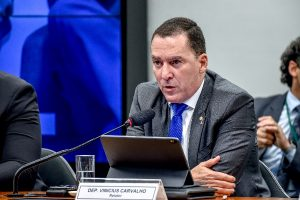 Aprovado relatório de Vinicius Carvalho sobre a reforma dos militares