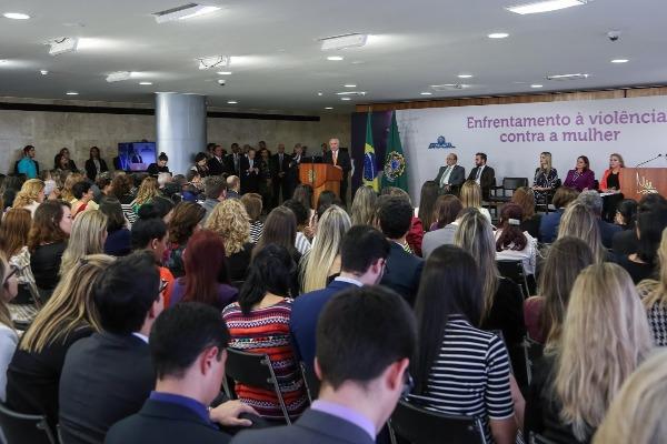 Vitor Paulo participa do lançamento do Plano de Enfrentamento à Violência Doméstica