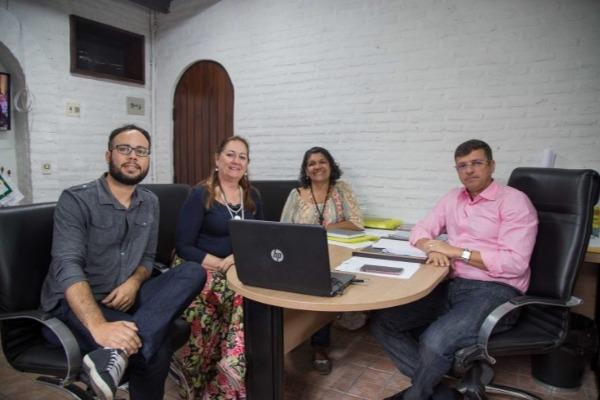 Vitor Hugo firma parceria com Sebrae para implantar economia criativa em Cabedelo (PB)